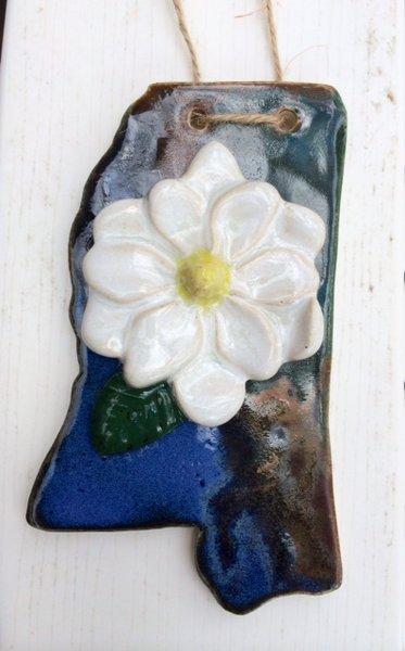 Mississippi Magnolia Ornament (Pottery)
