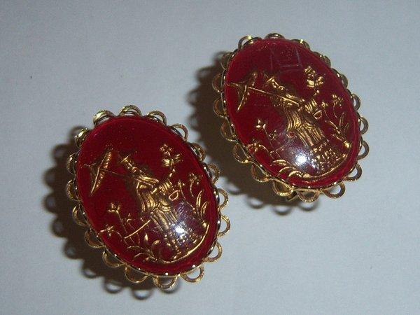 Red Asian Inspired Vintage Cufflinks. Intaglio.