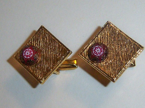 Diamond Shaped Vintage Cufflinks With Bead Accent.