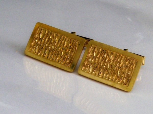 Abstract Vintage Cufflinks. Framed Textured Center. Gold Tone.