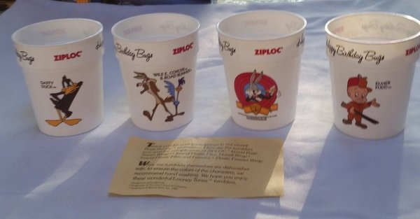 HAPPY BIRTHDAY BUGS Bunny Daffy Duck Elmer Fudd Wile ZIPLOC Promotion CUPS
