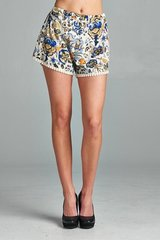 VB-Printed Elastic Waistband Short with Natural PANG PANG trim details