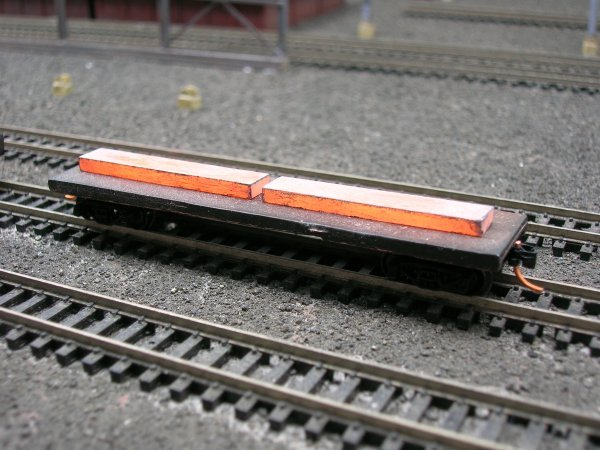 N Scale 40' Mill Car w/ 2 Hot Slabs