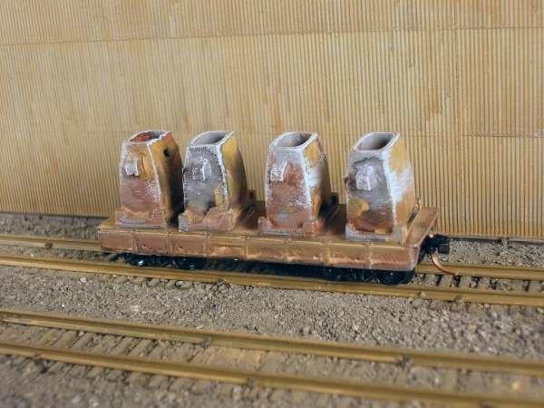 N Scale 30' Mill Car w/ 4 Ingot Molds