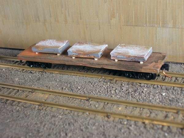 N Scale 40' Mill Car w/ 3 Small Slabs