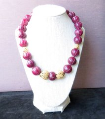 Carved ruby and 18k filigree gold bead necklace