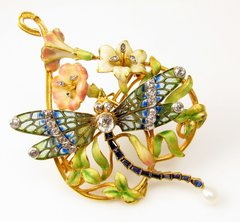 Art Nouveau enamel and diamond dragonfly pin/pendant 18k