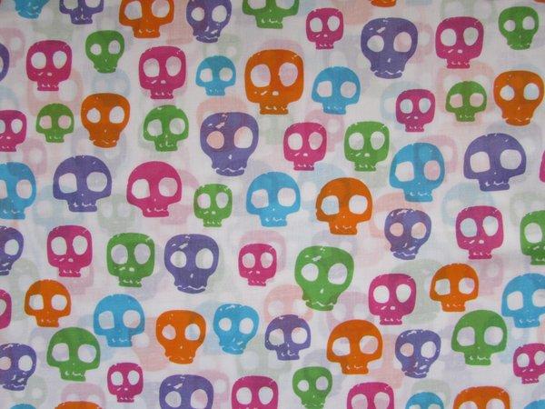Multi Skulls - White