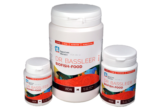 DR. BASSLEER BIOFISH FOOD ACAI with the berries of the Acai palm tree