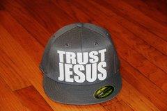 TRUST JESUS FLEXFIT HAT GREY/WHITE LOGO