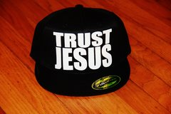 TRUST JESUS FLEXFIT HAT ALL BLACK/WHITE LOGO