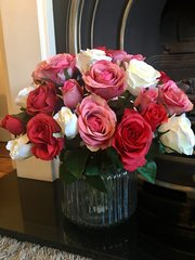 LUXURIOUS LARGE ROSE BOUQUET IN JAR VASE WITH FAUX WATER