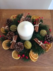 LUXURY HANDMADE 12 INCH TABLE WREATH ARRANGEMENT WITH CANDLE- SCENTED MIXED DRIED FRUIT, CINNAMON BUNDLES & BERRIES