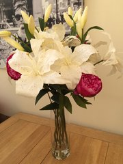 GORGEOUS LARGE CREAM LILY & PEONY ARTIFICIAL FLOWER VASE ARRANGEMENT IN DEEP WATER
