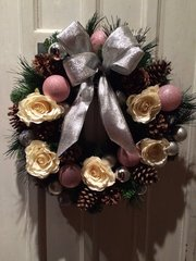 LUXURY HANDMADE 16 INCH CHRISTMAS DOOR WREATH - PINK IVORY SILVER. WITH SILK ROSES, CONES & BAUBLES