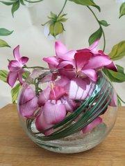 STUNNING PINK ORCHID & BEAR GRASS FLOWER ARRANGEMENT IN GLASS BOWL WITH WATER