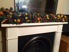 DELUXE SCENTED 6 FT CHRISTMAS GARLAND - MIXED DRIED FRUIT, CINNAMON & BERRIES