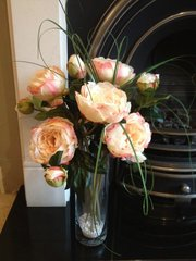 GORGEOUS LARGE SALMON PINK PEONY & BEAR GRASS ARRANGEMENT IN GLASS VASE WITH WATER