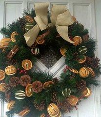 LUXURY HANDMADE 24 INCH EXTRA LARGE CHRISTMAS DOOR WREATH - MIXED DRIED FRUIT, CINNAMON BUNDLES & BERRIES