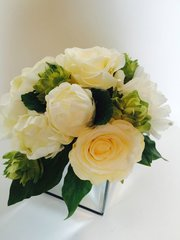 BEAUTIFUL IVORY/CREAM ROSE, PEONY & HOPS MIRROR CUBE ARRANGEMENT