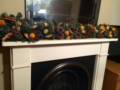 DELUXE SCENTED 9 FT CHRISTMAS GARLAND - MIXED DRIED FRUIT, CINNAMON & BERRIES