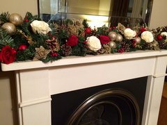 DELUXE IVORY,RED & GOLD 5 FT CHRISTMAS GARLAND WITH LARGE SILK ROSES, CONES & BAUBLES