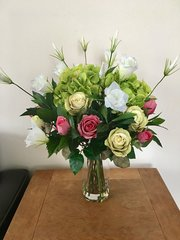 LARGE PINK/GREEN HYDRANGEA, ROSE & LISIANTHUS VASE ARRANGEMENT, SET IN WATER