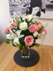 LARGE PINK ROSE, LILY & HOPS SPRAY BOUQUET ARRANGEMENT IN VASE WITH FAUX WATER