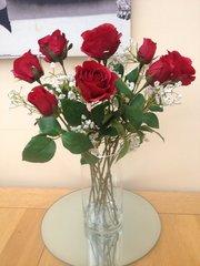 STUNNING ARTIFICIAL FLOWER VASE ARRANGEMENT RED ROSES & GYPSOPHILA IN WATER
