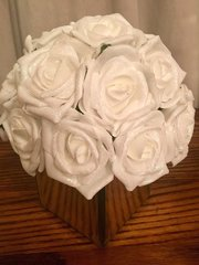 BEAUTIFUL ICE WHITE GLITTER ROSES ARRANGEMENT IN MIRROR CUBE