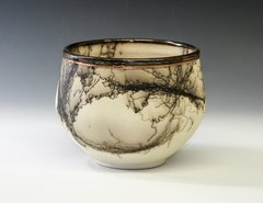 Wire rimmed bowl