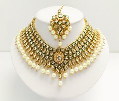 AD Kundan Choker with Chandelier Earrings & Tikka