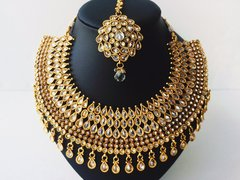 Grand Victorian Fusion Style Necklace Set