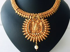 All Gold & Pearl Detailed Lakshmi Attigai Set