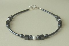 American Indian Bracelet of Hematite and Howlite