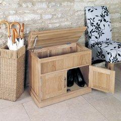Baumhaus MOBEL Oak Shoe Bench with Hidden Storage