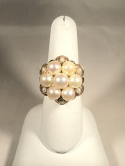 R 496 vintage pearl gold ring.