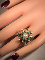 R489 vintage pear and green stone ring.