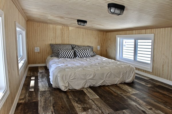 tiny house bedroom. 28  Chalet Shack Tiny House On Wheels Mini Mansions Home