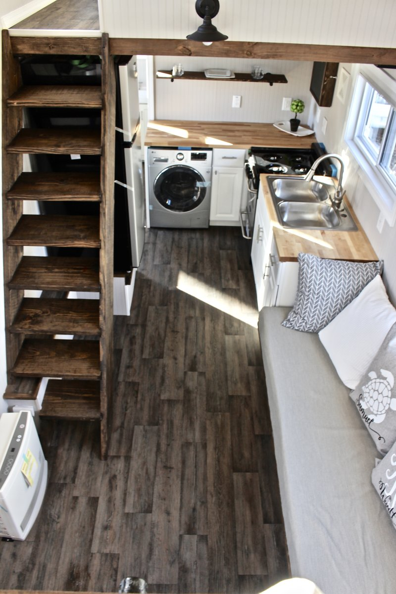 30 Easy Shack Deluxe Tiny House On Wheels Main Floor