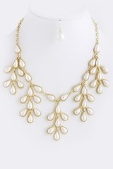 Gold Pearl Leaf Dangle Necklace Set