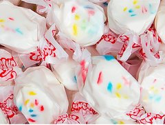 Frosted Cupcake Saltwater Taffy