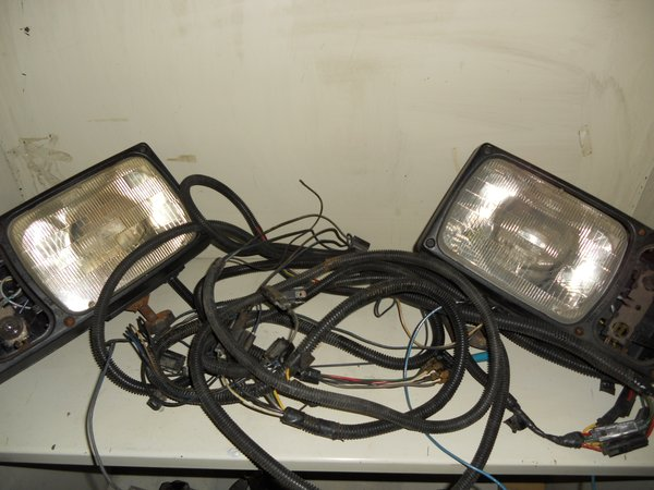 Signal Stat snowplow headlights with harness