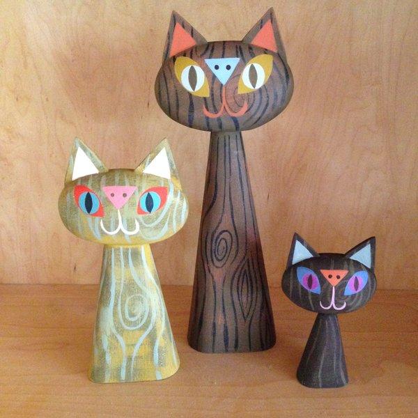 Woodgrain Cat Bust Trio