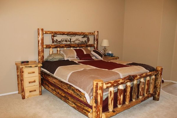 Oregon Metal Art Log Bed Custom Handmade Log Furniture