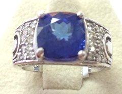 14K Gold Ring Tanzanite and Diamonds