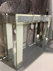 Stunning mirror crushed diamond console table/ hallway table