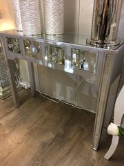 Beautiful silver wood collection - mirror 4 drawer console table - mirror top and crystal handles