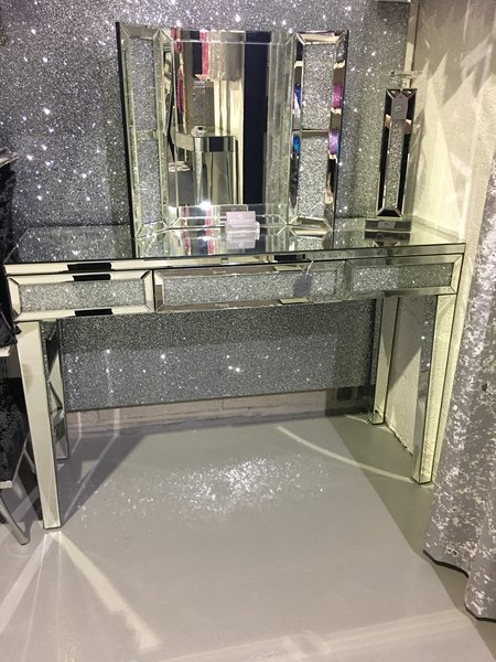 Stunning Diamond Crush Dressing Table Mirror Console