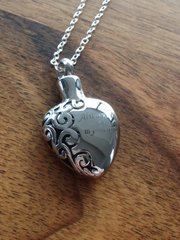 """ALWAYS IN MY HEART STAINLESS STEEL ASHES PENDANT ON 18"""" SILVER PLATED CHAIN £10 TO CLEAR"""